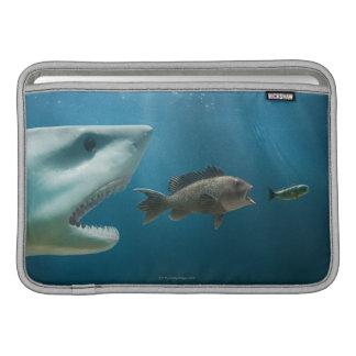 Tiburón que persigue la lubina que persigue al jov funda  MacBook
