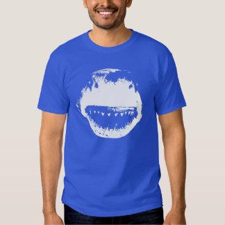 Tiburón solitario camisas