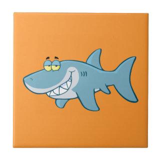 Tiburón sonriente azulejo cuadrado pequeño