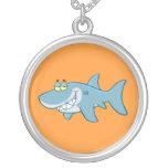 Tiburón sonriente pendiente personalizado