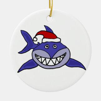 Tiburón sonriente que lleva arte del navidad del g ornamentos de reyes
