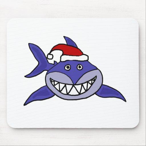 Tiburón sonriente que lleva arte del navidad del g tapetes de ratón