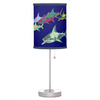 tiburones del color lámpara de mesa