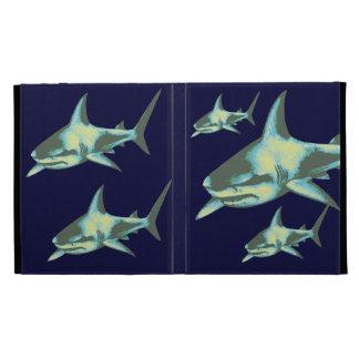 tiburones en el océano azul profundo