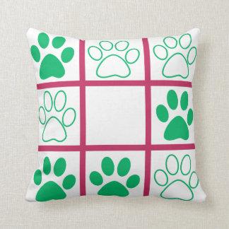 Tic-Tac-Toe Pop Design Throw Pillow