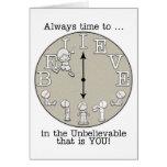 Tiempo al Creer-Pequeños muchacho y reloj Felicitaciones