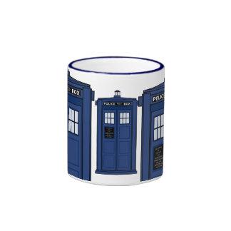 Tiempo azul del té de la taza del friki de la caja