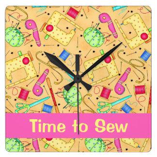Tiempo de costura amarillo del arte de las reloj cuadrado