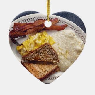 Tiempo de desayuno - el tocino Eggs arenas de la Adorno De Cerámica En Forma De Corazón
