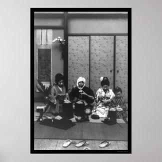 Tiempo de la comida en Japón 1909 Posters