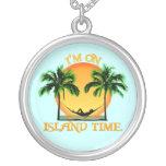 Tiempo de la isla collares personalizados