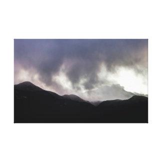 Tiempo de la montaña rocosa impresión en lienzo estirada