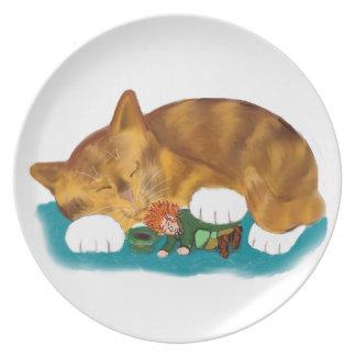 Tiempo de la siesta para el gatito del tigre del platos para fiestas