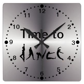 Tiempo de plata de la mirada para bailar el reloj