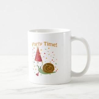¡Tiempo del fiesta de Confett! Caracol Taza De Café
