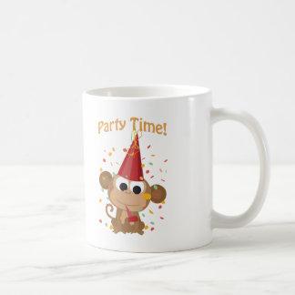 ¡Tiempo del fiesta! Mono del confeti Taza De Café