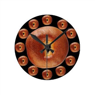 Tiempo del panecillo reloj redondo mediano