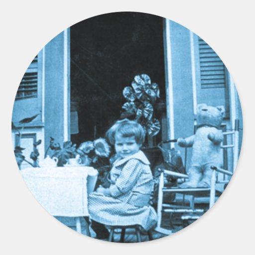 Tiempo del té con los amigos (azul entonado) pegatina redonda