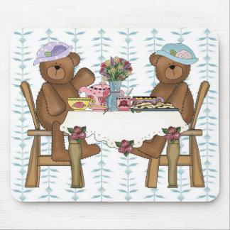 Tiempo del té para los peluches mouse pad