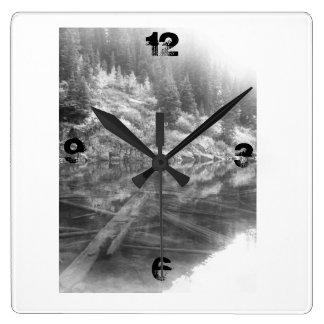 Tiempo marrón del lago bells reloj cuadrado