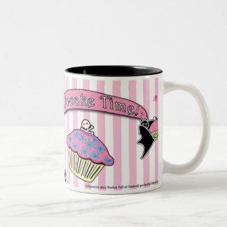 Tiempo mortal de la magdalena de Cute™ Delilah Tazas De Café