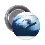 Tiempo que practica surf en la playa pins
