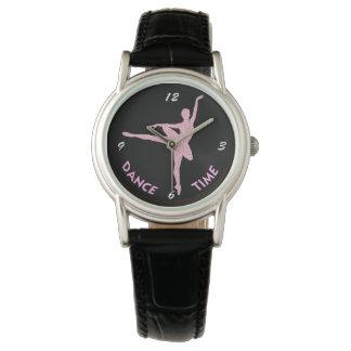 Tiempo rosado de la danza de la bailarina relojes de mano