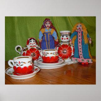 Tiempo ruso del té de la muñeca impresiones