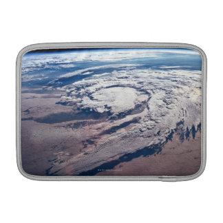 Tiempo sobre la tierra funda macbook air