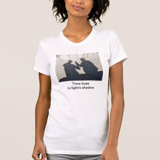 Tiempo y sombra camisetas