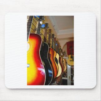 Tienda de la guitarra alfombrillas de ratón