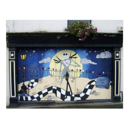 """Tienda (para la venta) con la pintura decorativa """" postales"""