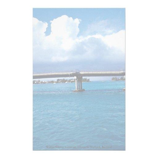 Tienda un puente sobre el lazo del pueblo de Somer Papeleria