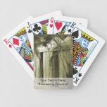 tiendas blancas detrás de la sepia de las frondas  baraja de cartas