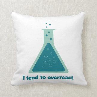 Tiendo a overreact cubilete de la ciencia de la qu almohadas