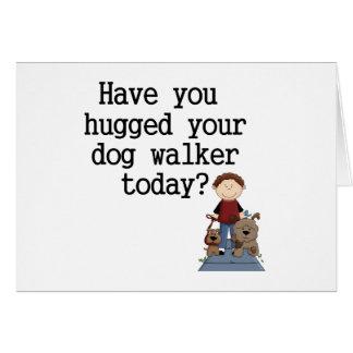 Tiene usted abrazado su caminante del perro (el va tarjeta
