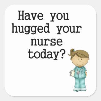 Tiene usted abrazado su enfermera pegatina cuadrada