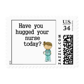 Tiene usted abrazado su enfermera sello