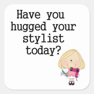 Tiene usted abrazado su estilista pegatina cuadrada