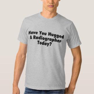 Tiene usted abrazado un ayudante radiólogo hoy polera