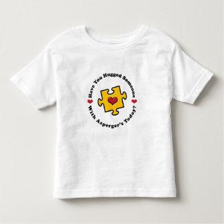 Tiene usted la camiseta del niño alguien de