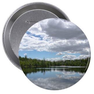 Tierra, agua y cielo pin redondo de 4 pulgadas