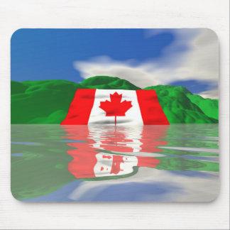 Tierra canadiense de la bandera alfombrillas de raton