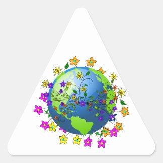 Tierra con las flores pegatina de triangulo personalizadas