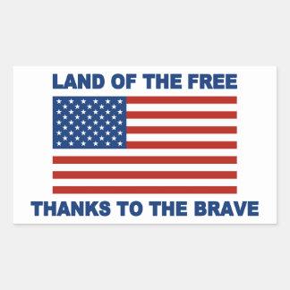Tierra de los gracias libres al valiente rectangular altavoz
