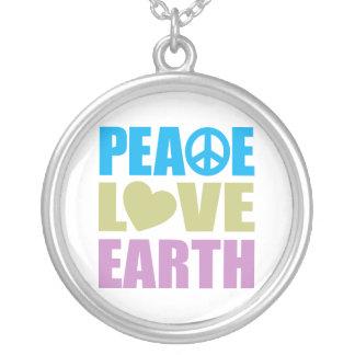 Tierra del amor de la paz collares personalizados