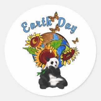 Tierra del girasol y de la panda pegatina redonda