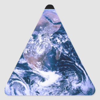 Tierra del mármol del azul del espacio pegatina triangular