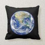 Tierra del planeta almohadas