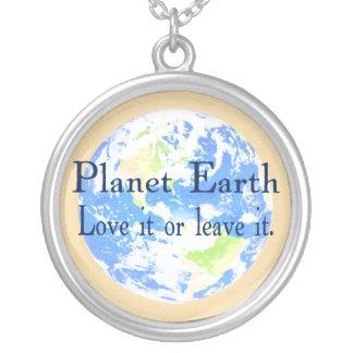 Tierra del planeta - ámela o déjela colgante redondo